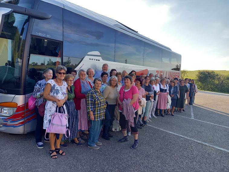 Ausflug der Marchtrenker Goldhaubenfrauen mit der Bäuerinnenrunde